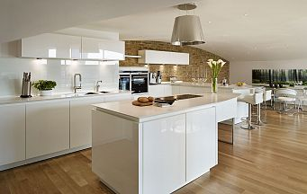 Lawrence - Alno Star Highline High Gloss White Kitchen - Siemens Appliances - Corian Worktops