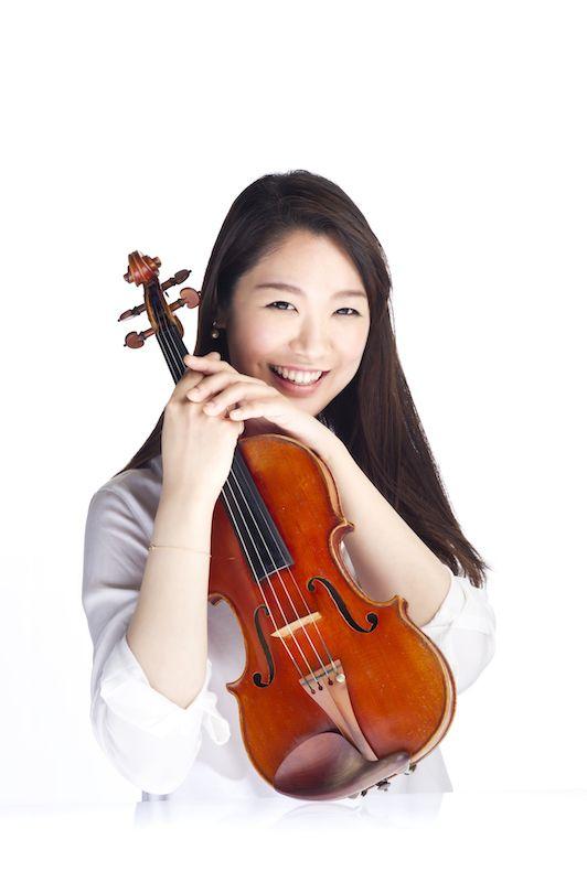 ゲスト◇小林美樹(Miki Kobayashi)アメリカ・サンアントニオ生まれ。2000年全日本学生音楽コンクール小学校の部東京大会第1位受賞。2001年、小学生にして東京交響楽団と共演し、テレビ朝日「題名のない音楽会」に出演。2009年、桐朋女子高等学校を首席で卒業し、特待生として桐朋学園大学に進学。2011年、第14回ヴィエニャフスキ国際ヴァイオリンコンクールで第2位受賞。11月にCDデビュー。2013年2月、セカンド・アルバムをリリース。2014年、出光音楽賞を受賞。2010年よりウィーン私立音楽大学に留学中。2015年11月、サード・アルバム「サン=サーンス:ヴァイオリン・ソナタ第1番-フランス・ヴァイオリン作品集-」をリリース。小林美樹 オフィシャル ウェブサイトhttp://mikikobayashi.jimdo.com/