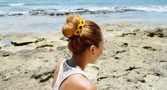 SALE  Sunflower Adjustable Bun Wrap Sunflower Hair от HeavenlySea, $5.50