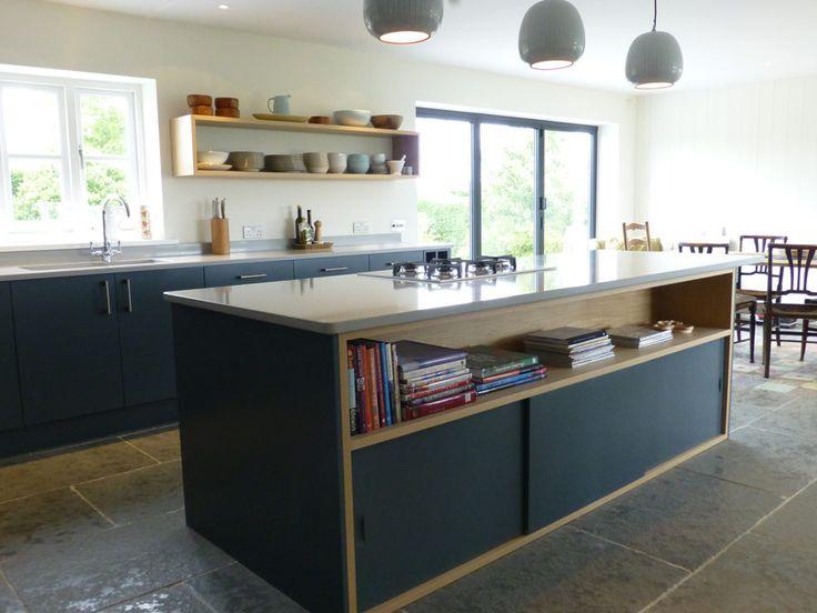Bespoke Kitchen Island With Oak Cabinet And Sliding Doors Kitchen Pinterest Fatto Su Misura Scaffali Aperti E Mobili