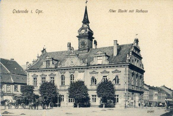 Osterode (Ostpr.), Alter Markt mit Rathaus. 1905-1915.