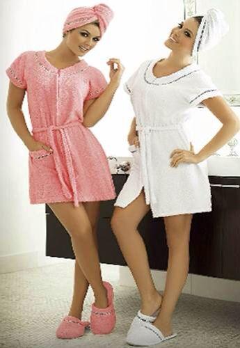FELPA DE TOALLA se fabrican tejiendo hilos juntos en un organismo especializado de tres hilos del telar, utilizado para batas de baño y toallas.