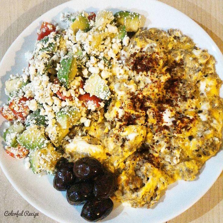 #paleobreakfast #avocado and #cottagecheese salad #egg with #groundmeat #paleo #keto #lowcarb #tasdevridiyeti #sahur #kiymaliyumurta ve #cokelek ile #avokado salatasi #saglikliyaglar