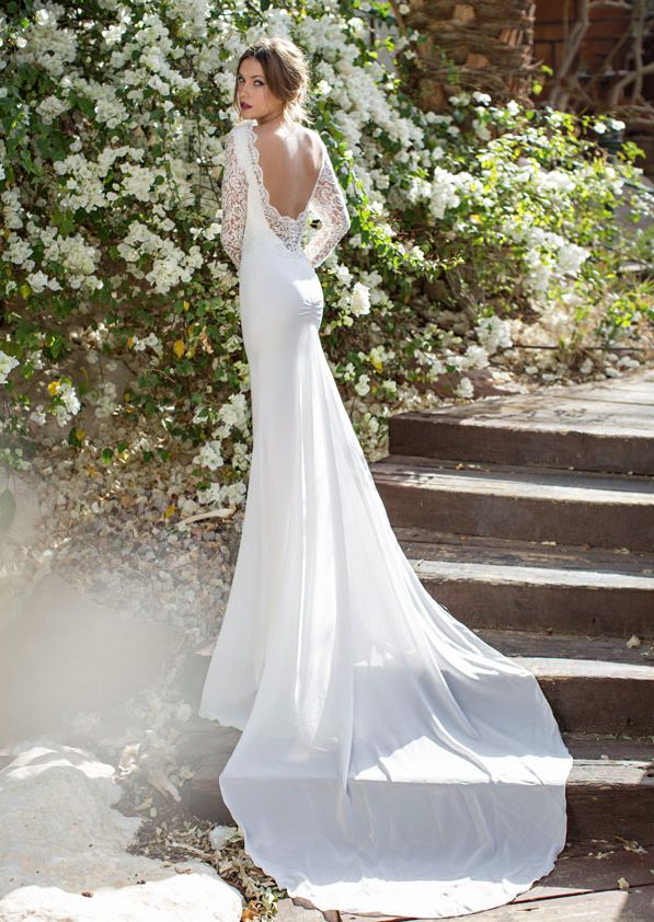Beautiful Lace low back wedding dress