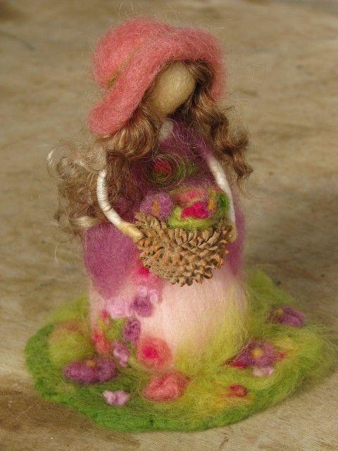 Needle felted spring girl make to order par Made4uByMagic sur Etsy, $57,00