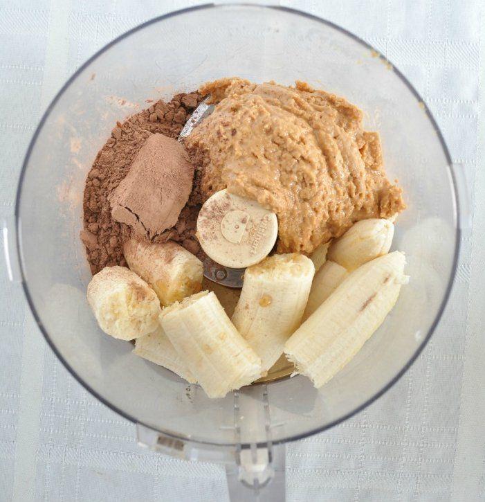 Lekker & gezond! Geniet van deze heerlijke gezonde zelfmaak chocolade muffins. Glutenvrij & geen toegevoegde suikers!