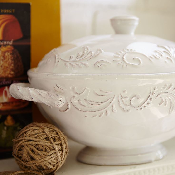 With an embossed pattern and beautiful hand-painted details, our Antique Scroll covered soup tureen has a classic look. But it also has a modern practicality. It's dishwasher-safe, microwaveable and ready for special company or everyday family dinners.