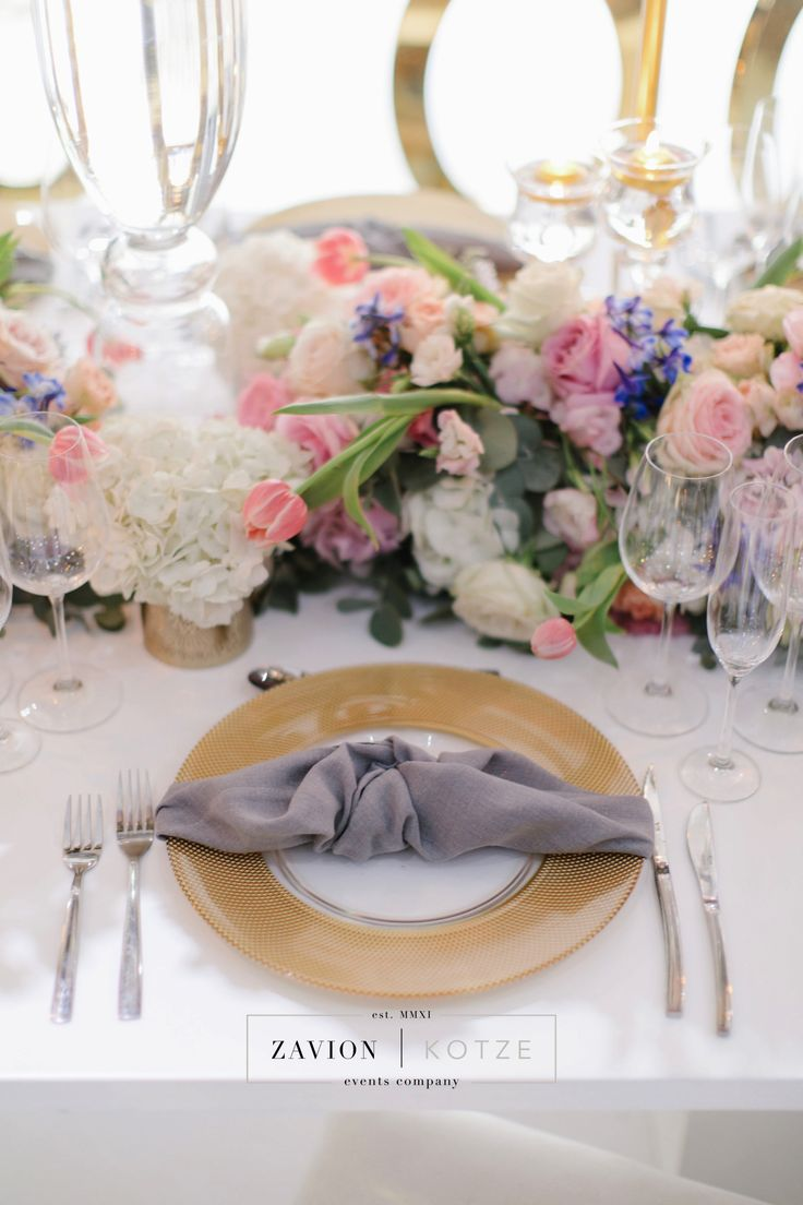 Good, pastel​ flowers white table