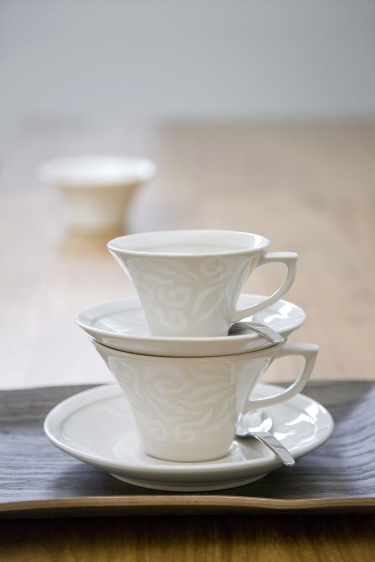 Vanilja Coffee Cup | This coffee cup belongs to Vanilja tableware series and pairs perfectly with Vanilja saucer. Designed by Anu Pentik, delicious and rich-in-style Vanilja series makes a fantastic collector's item that brings vanilla to everyday life and festive occasions!