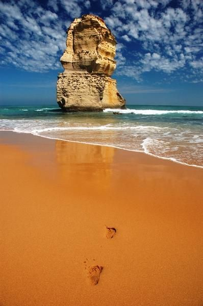 Great Ocean Road Drive (Australia - this looks like Port Campbell to me, where the famous Twelve Apostle rock formations are)