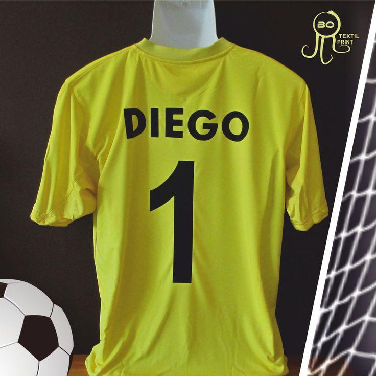 Camiseta portero de fútbol personalizada. #botextilprint #trabajospersonalizados #serigrafía #vinilotextil #bordados #coruña #futbol #fútbol #training #gim #equipo #jugador #football