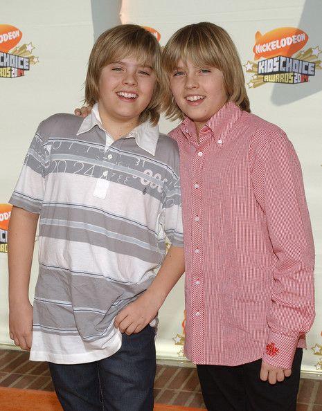 Dylan e Cole Sprouse - Zack e Cody: Gêmeos em Ação em 2007.