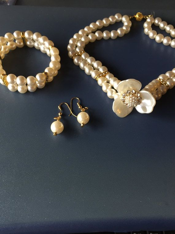 Wedding Pearl  Necklace Bridal Jewelry Set by Rosariesaccessories