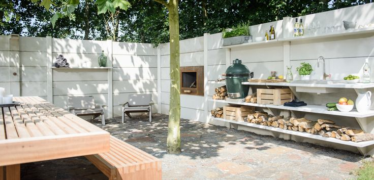 Outdoor room by WWOO. Kitchen, fireplace and shower all in one. For more information: wwoo.nl