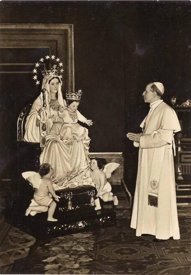 Papa Pío XII y María Auxiliadora