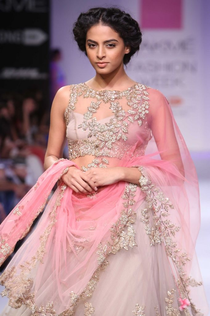 Lakmé Fashion Week – Anushree Reddy at LFW WF 2014 Its all about the details!!! I want this piece <3 <3 <3