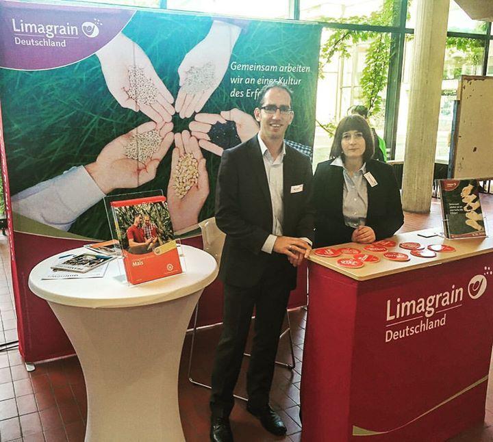 Startklar für die #Praxisbörse an der Uni #Göttingen - schreibt uns Limagrain Marketing-Leiter Klaus Ahrens - im Bild mit Tanja Neumann (HR Managerin). Dann wünschen wir doch allen Besuchern interessante Gespräche. Mit lieben Grüßen aus Edemissen #Limagrain #Landwirtschaft