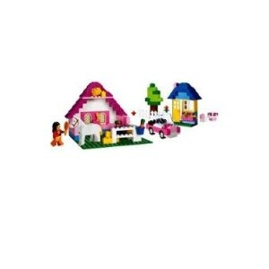 LEGO Pink Brick Box Large (5560) --- http://www.amazon.com/LEGO-Pink-Brick-Box-Large/dp/B001US4DOK/?tag=httpwwwship02-20