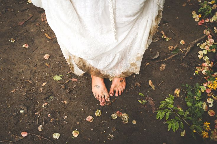 Powerful Mt Warning Wedding, 100 Bridesmaids & Flower Crowns for all: Polly & Jamie