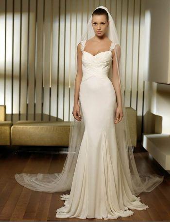 Белое русалочка простое свадебное платье со шлейфом открытая спина с фатой