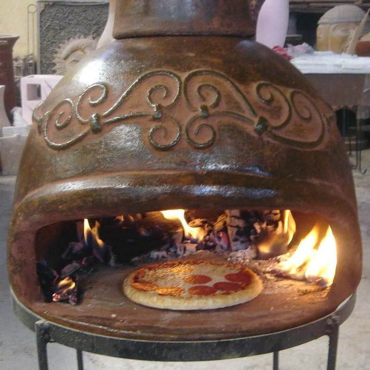 Great Outdoor Kitchen Complete With Pizza Oven: Antique Wood Fired Pizza Oven........Like To Taste That