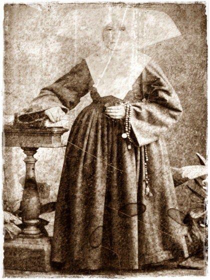La Monja del vaso es un fantasma que aparece en Hosp. San Juan de Dios en San José de Costa Rica,uno de los hospitales más antiguos que fue atendido por religiosas de la Orden de las Hermanas de la Caridad-Una monja malhumorada negaba el agua al que se lo pedía y desatendió el último deseo de agua de un enfermo que luego muere.Arrepentida pena por el hospital ofreciendo agua a los enfermos,que no aceptan por miedo,pero de hacerlo ella descansaría en paz.