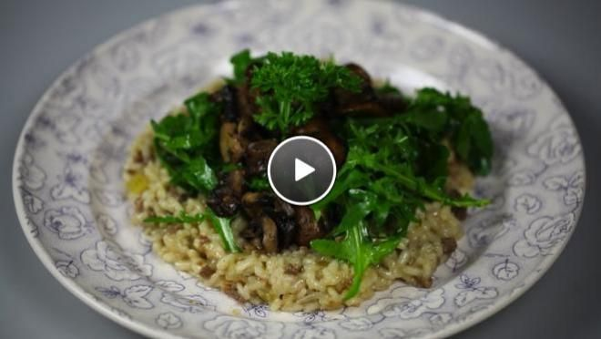 Herfstrisotto met paddenstoelen en worst - recept | 24Kitchen