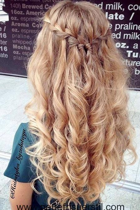 29 lange lockige Abschlussball-Frisuren #Frisuren #lang #lockige #Prom #promhairstyles