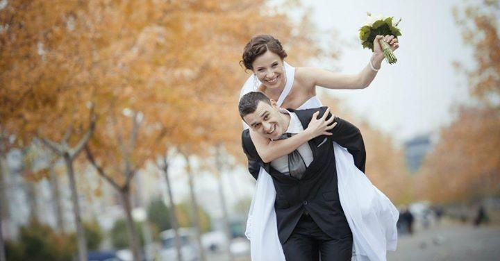 Nunta perfectă este nunta la care uiți de grija organizării. Decomag te ajută să planifici să calculezi și să-ți organizezi nunta așa cum îți dorești. Descarcă GRATUIT pachetul pentru organizarea unei nunți de vis! http://ift.tt/2fXNpdX