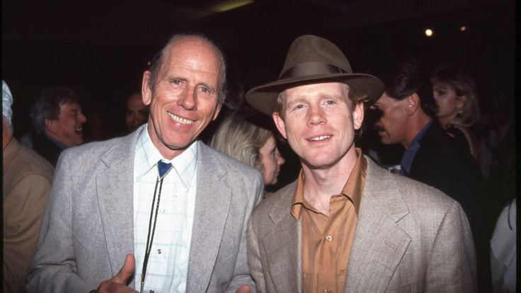 Rance Howard and Ron HowardWorld Premiere of 'Far and Away', Los Angeles, AmericaMarch 20, 1992 - Los Angeles, CA.Rance Howard and Ron Howard .The World Premiere of FAR & AWAY.Photo by: A. Berliner Studio/BEImages