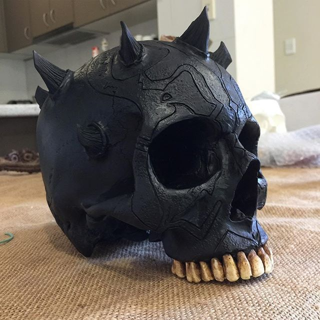 I've almost finished the master sculpture for the New darth maul skull, Here he is all murdered out! Whatcha think so far?! When finished I'll have a limited run available before Christmas at www.jackofthedust.com.au