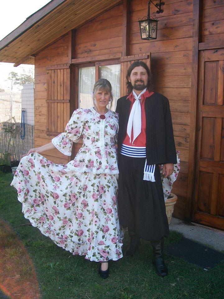 Folclore latinoamericano: Alfredo Zitarrosa Uruguay , Danzas Uruguayas,Los Olimareños . Treinta y tres