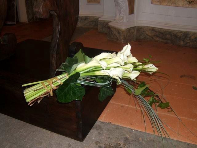 http://www.eleonoratonieventi.it  Bouquet di Calle Bianche  Bouquet of White Callas  info@eleonoratonieventi.it  cell.340-42.70.923