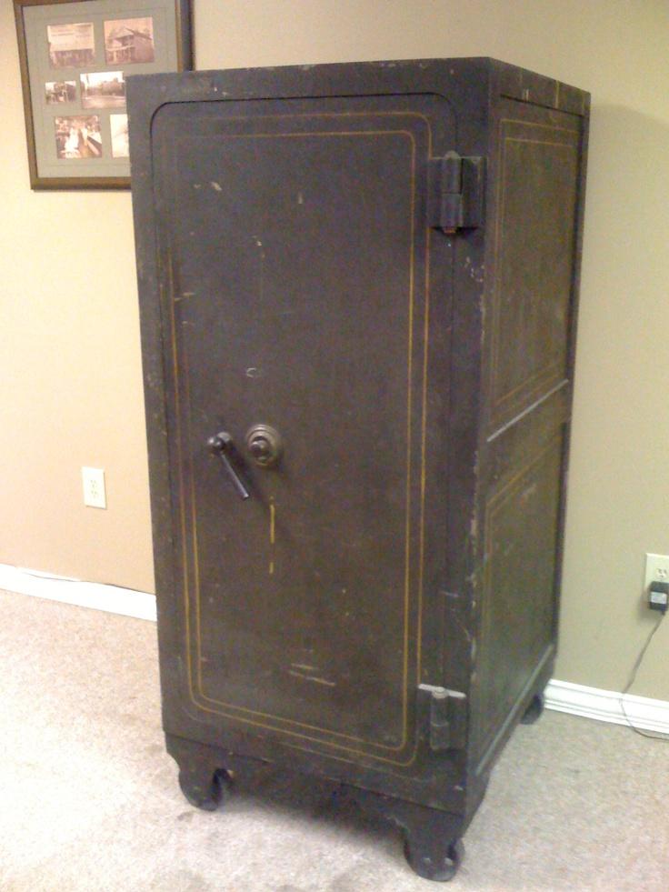 1920s era diebold safe this reminds me a lot of a gun