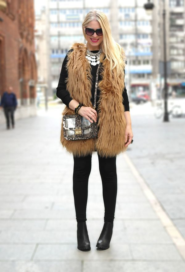 Look by @lupita33 with #leggins #primark #casual #chaleco #fur #abrigo #ankleboots #chalecos #blackboots #vest #fall #black #botas #boots #winter #elegante #chic #pelliccia #streetstyle #leggings #pelo #bags #print #fashion #newyorker #animal #love #looks.
