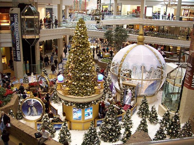 Woodfield Mall Chicago Mall Chicago And Christmas Tree