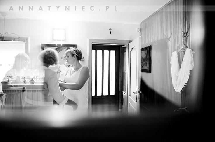 Przygotowania do ślubu panny młodej | fotografia ślubna Wrocław | https://www.facebook.com/AnnaTyniecFotografie