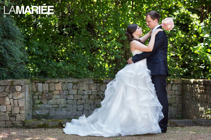 Our bride is wearing Leante dress from Pronovias/ A mi menyasszonyunk a Pronovias Leante ruhában
