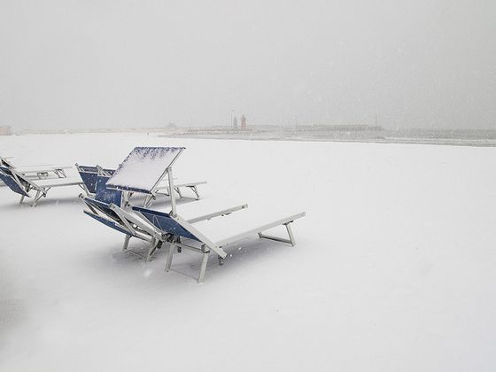 Tuscany Italy pictures: snow on the beach in Maremma Italy