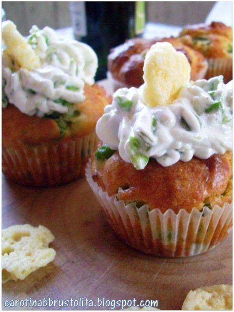 Carotina abbrustolita: Cupcakes alle fave e grok con yogurt greco