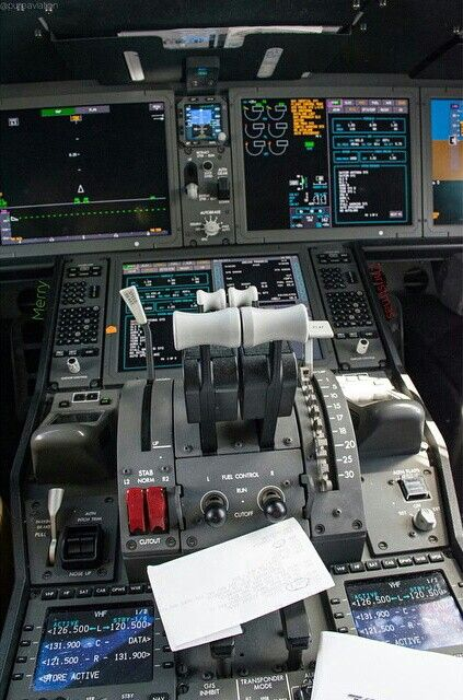 Air New Zealand B787-900, here are the thrust levers for ZK-NZE to control those Rolls Royce Trent 1000's @pureaviation