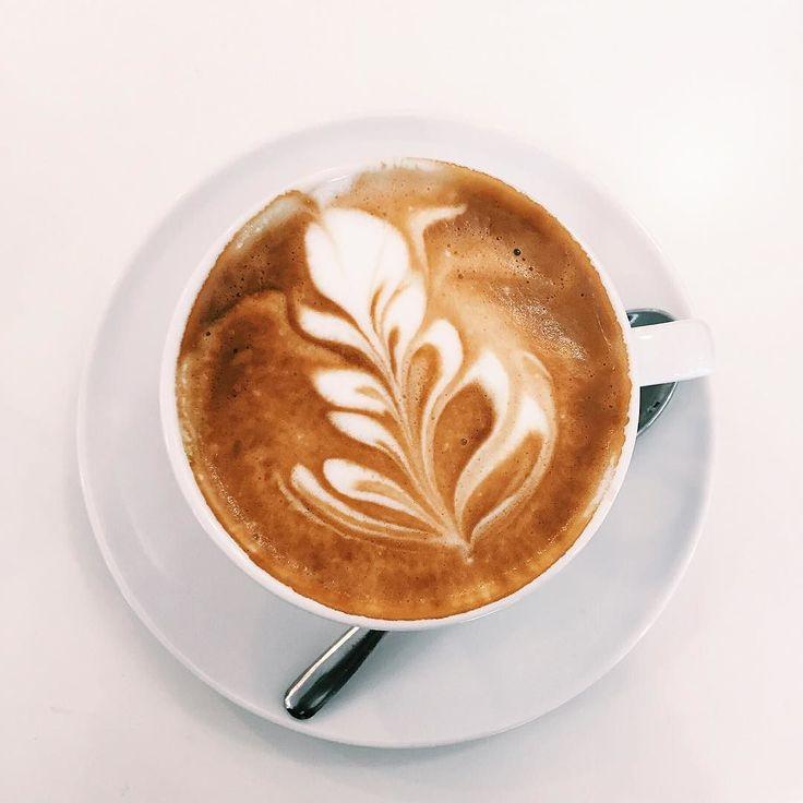 Italian Cappuccino Art // @allafiorentina