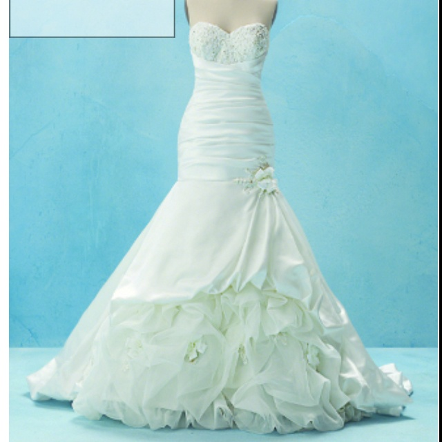 Lovely Tiana inspired wedding gown by Disney Fairy Tale Weddings