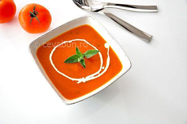 Supa crema de rosii cu busuioc si menta