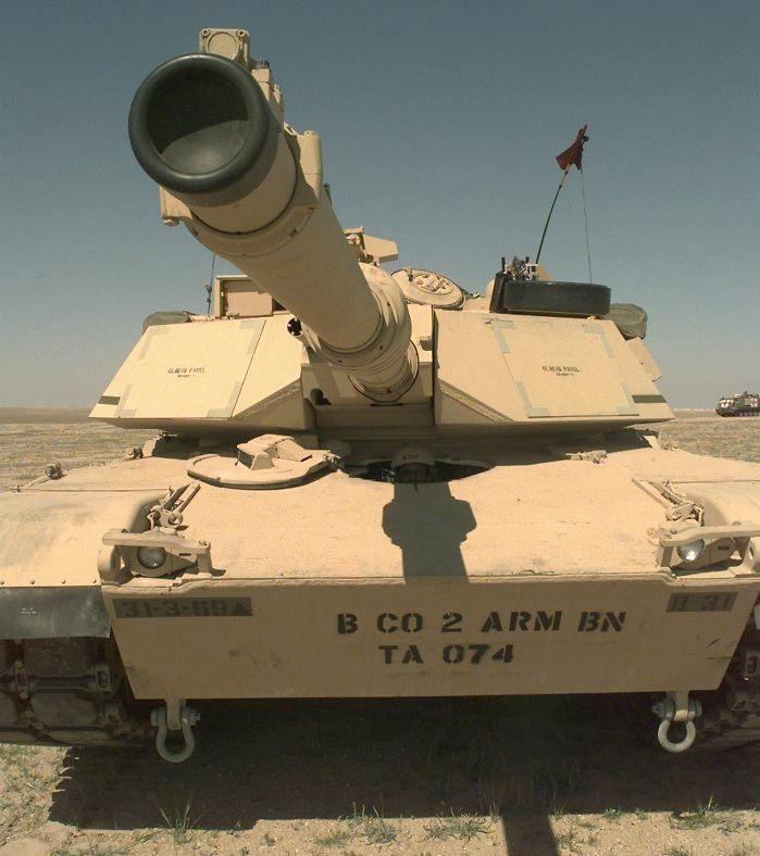 m1 abrams   M1A2 Abrams Main Battle Tank