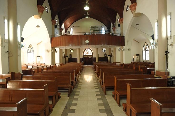 tampak dalam Gereja Katedral