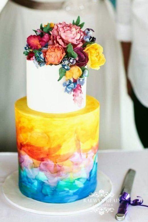 Svatební dorty 2018  Spousta živých květin d71f8fbcb33