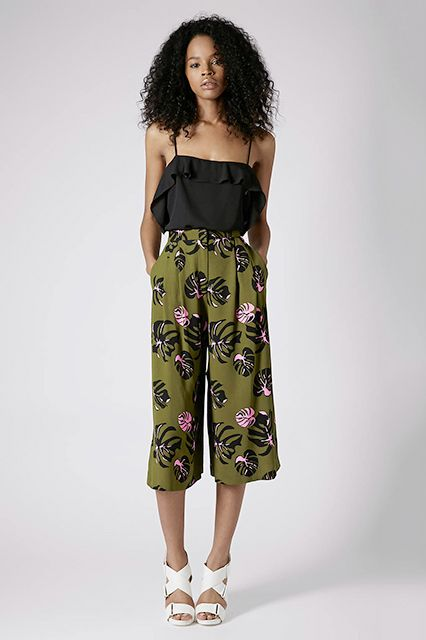 The Floral Culottes Did you know culottes have magical, butt-enhancing qualities? It's true. This high-waisted, wide-legged, cropped style accentuates your bottom half's best asset.