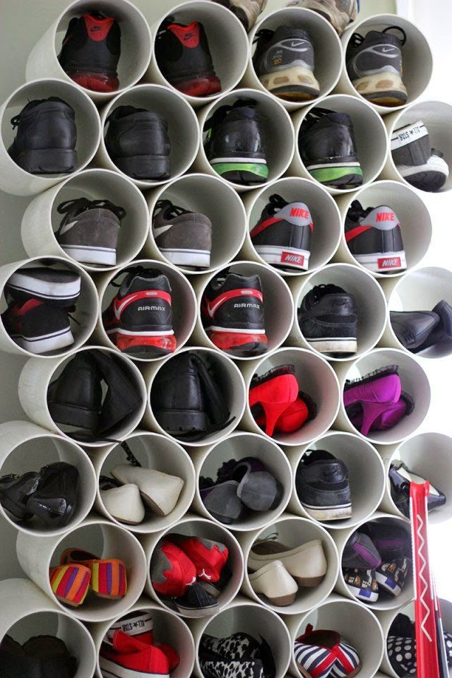 Mantenha seus pares de sapatos organizados! Canos de PVC são uma ótima opção…