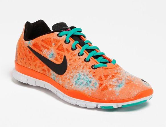 Nike Women's running shoe tri fit print
